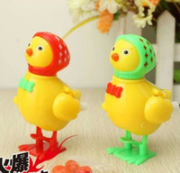 2014 novel creative chain clockwork toy laying hen small toy...