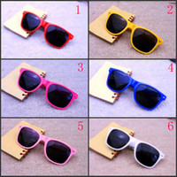 Wholesale fashion sunglasses retro sunglasses colored glasses latest Material Plastic resin Frame Material Plastic Size about