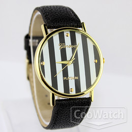 New Geneva watches Gold dial Casual Watch striped surface PU Strap Unisex Quartz Watches Analog free watch
