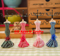 Wholesale Resin Mannequin Jewelry Display Stand Earring Holder Mermaid Model Wedding Gift D0104