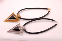 Wholesale Western Style Fashion Leather Cord Jewelry Rhinestone Inlaid Triangle Shape Pendant Necklace N406