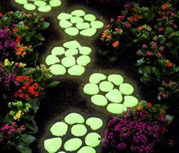 Wholesale 1Kg Yellow Green PS glow stones photoluminescent stone Glow in the dark pebble luminous pebble stone for garden and aquarium