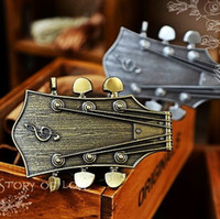 Wholesale Retro nostalgia music guitar belt buckle belt buckle