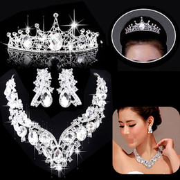 Wholesale Full package mailed the bride adorn article White crystal crown crystal wedding accessories female three piece C563 love necklace