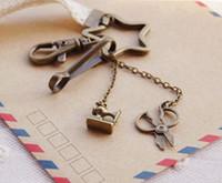 Wholesale Vintage Metal Key Ring Bronzed Star Tower Scissors Sew Machine Design Keychains Lace Key Chain Vintage Jewelry Lace Gadget K004