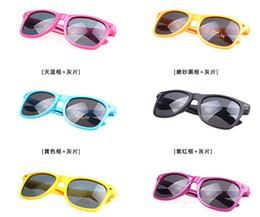 Gafas de sol wayfarers en venta-Clásico de los hombres las mujeres de color caramelo de gafas de sol de tonos unisex gafas de cristales oscuros 100% UV400 playa de verano Wayfarer gafas de hotsell