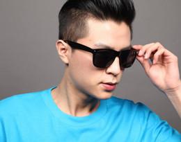 Gafas de sol wayfarers en Línea-gafas de sol del color del caramelo mujeres hombres sombras Oval gafas unisex gafas oscuras 100% UV400 gafas Wayfarer de verano Onassis vasos de colores