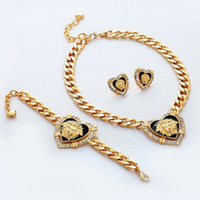 Wholesale New Items Medusa Hearts Necklace Chains K Chunky Gold Plated Rhinestone Jewelry Sets Lion Head Jewellery For Women YN1204
