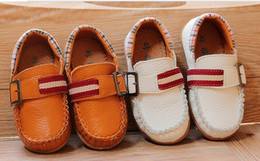 Wholesale New Style Children Leather Shoes Good Quality Cowhells Botton Fashion Casual Kid s Boy Leather Dress Shoes GX50