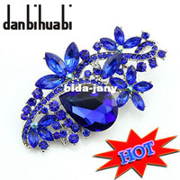 Wholesale New Top Quality Big Blue Acrylic Small Rhinestone Bouquet crystal Brooch Charming resin Christmas souvenir gift jewelry