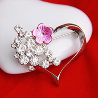 Wholesale Min order is mix order Cheap Fashion Heart Brooch Pins Alloy Rhinestone Women Brooches for wedding