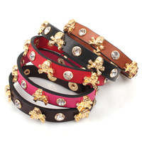 Wholesale Qi Connaught New alloy golden rivet punk skull jewelry small jewelry Bracelet Guangzhou