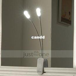 Promotion à double lampe de lecture New Slim Noir Blanc 2 Arms Double Flexible 4 LEDs Clip-on Lampe Pour Piano lecture portable du livre