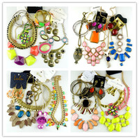 Wholesale Cheap Jewelry Sets Mixed jewelry Bib Necklaces Pendant Necklaces Bracelets Bangle Earrings Rings Bohemian Women Accessory By Weight