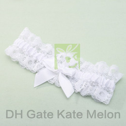 Wholesale Lace Wedding Garters Pure White Bow With Flower Unique Bridal Garters for Wedding Retails