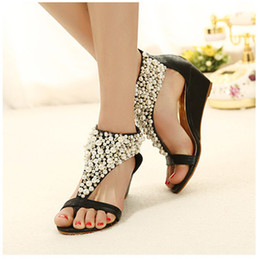 New Spring Summer 2019 Bohemian handmade beaded female sandals nightclub wedges pearl with clip toe shoes in the shoes