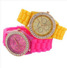Wholesale - 200PCS Silicone watch diamond fashion watches GENEVA Geneva