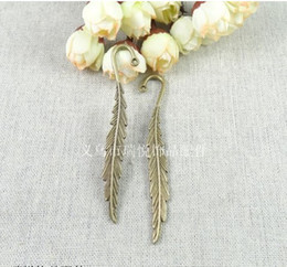 Wholesale A2143 ANTIQUE BRONZE MM Vintage feather custom promotion bookmarks for books DIY jewelry accessories Korean metal book mark