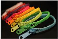 al por mayor pulseras zip-La nueva pulsera popular de la cremallera de la pulsera del caramelo del wristband de la pulsera del cierre relámpago de la pulsera del acoplamiento de la joyería colorsfull libera el envío