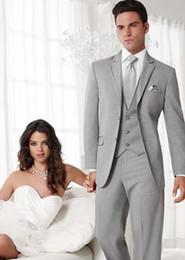 Custom Made Two Buttons Groom Tuxedos Light Grey Best man Notch Lapel Groomsman Men Wedding Suits Bridegroom (Jacket+Pants+Tie+Vest)J333