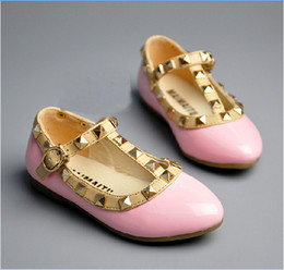Wholesale 4 colors New Girl Children Fashion Casual Leather Shoes Girls Spring Popular Rivet Surround Princess Shoes Kids Leather Shoes