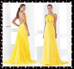 Wholesale FX Wow Shiny Yellow Formal Evening Dresses Halter Neck Beading Ruched Sweep Train Long Prom Dress Backless Red Carpet Pageant Dresses