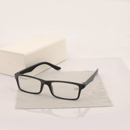 Wholesale fashion reading glasses magnify male and female full frame black glasses worn significantly younger parents