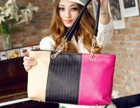 Wholesale Four Seasons three color fashion handbags shoulder diagonal female bag new female bag candy colored woven chain shoulder bag