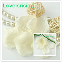 Wholesale Hot Item Ivory Non Woven Fabric Rose Flower Petals For Wedding Party Decor Wedding Artificial Bouquets