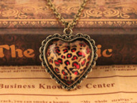 Wholesale Fashion Leopard Heart Pendant Antique Necklace Big peach heart necklace Vintage Jewelry Shaped Charming Love Heart Long Chain