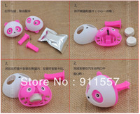 Wholesale 2pcs sets Cute panda Air Freshener Perfume Diffuser for Auto Car perfume holder A0046