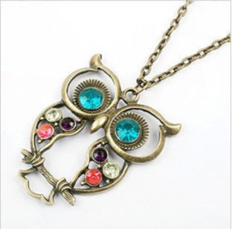 Wholesale W25 vintage Embedded drill Hollow carved Owl Pendant Necklace New Girl s Fashion Jewellry Silver Vintage Lovely Big Eyes Owl Charms