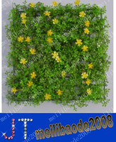 Wholesale free gipping Cheap artificial Plastic grass mat with flowers boxwood mat kissing grass mat wedding party event