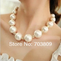 Wholesale New Fashion Multilayer Simulated Pearl Choker Necklace for Women Pearl Pendant Necklace with Crystal Rhinestone