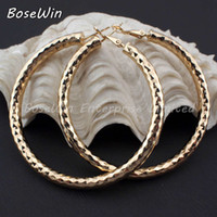 Wholesale Fashion Female Jewelry mm Diameter Shiny Faceted Alloy Round Thick Hoop Earrings Gold and Silver Color For Women FE042