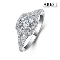 With Side Stones Engagement Ring Women's Free Shipping Light Weight Gold Plated Micro Setting Round CZ Fashion Sterling 925 Silver Engagement Ring Wholesale Jewelry E046