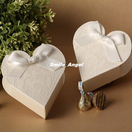 White lace pattern paper Wedding candy box with white bowknot Heart Shape Design creative wedding candy boxes Korean Europe