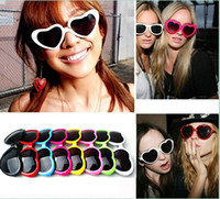 Wholesale Sunglasses Retro Summer Glasses Women Girl Love Heart Shape Sunglasses Tide Beach Glasses C1229