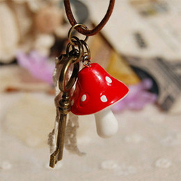 Handmade Red Mushroom Pendant Necklace with Key Lace Pendant Beautiful Gadget Leather Cord Necklaces Novelty Items xl062
