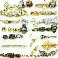 Wholesale Unisex Men s jewelry European and American punk style alloy rings fashion personality exaggerated point of diamond rings a121