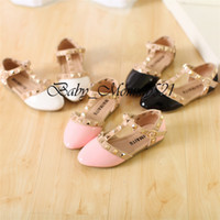 Wholesale Trendy Girl Sandals Girls Fashion PU Valen Shoes Children Rivets Flats Hot Sale Korean Style Years to Years