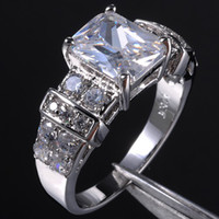 Wholesale Shining Women s White Sapphire KT White Gold Filled WeddingRing Hot Gift