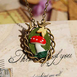 Creative Zakka Red Mushroom Resin Butterfly Bronzed Birds Necklace for Women Long Necklaces Vintage Jewelry xl066