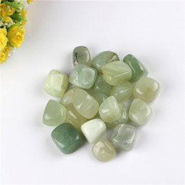 Natural New Green Jade Chakra Tumbled Stone Points Crystal Healing point perles Reiki Feng Shui Free Pouched Free pouch