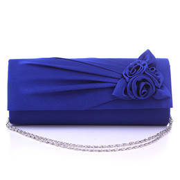 Wholesale new European and American flowers hand bag bag bag Rose Wedding Bridesmaid chain Dinner Bag