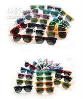 Wholesale 2014 New Arrive classic style sunglasses women and men modern beach sunglasses Multi color sunglasses