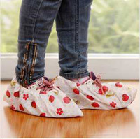Wholesale Printing non woven shoes cover breathable skidproof shoe cover household repeatedly washing cloth color dot shoes guest shoe cover pairs