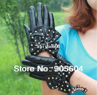 Wholesale Fashion Women Soft Leather Water Repellent Rivets Gloves with Butterfly Knot Ladies Glove Stretch Classics Bowknot Party Gloves