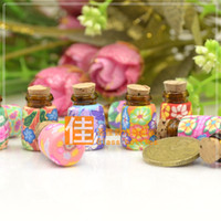 Cheap Wholesale polymer clay pendant oil bottle cork packing aromatherapy essential oil glass perfume bottle pendant small