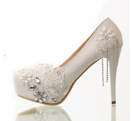 Wholesale 2014 Wedding Shoes New Fashion Elegant Pearls Crystal Lace Flowers Tassel cm High Heel Bridal Shoes D30